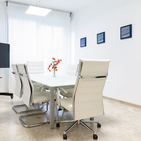 Sala riunioni 3 – 8 posti